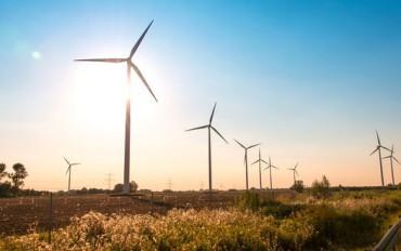jowalen-wind-mills-during-bright-summer-day-370x232.jpg